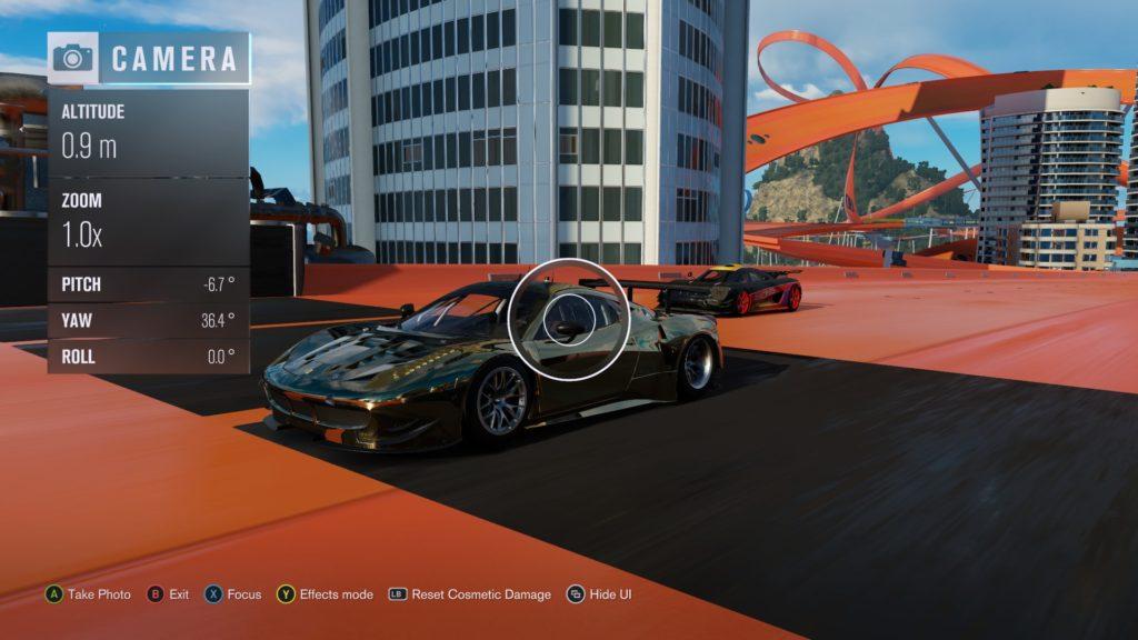 Forza Horizon 3: Hot Wheels defacing a work of art
